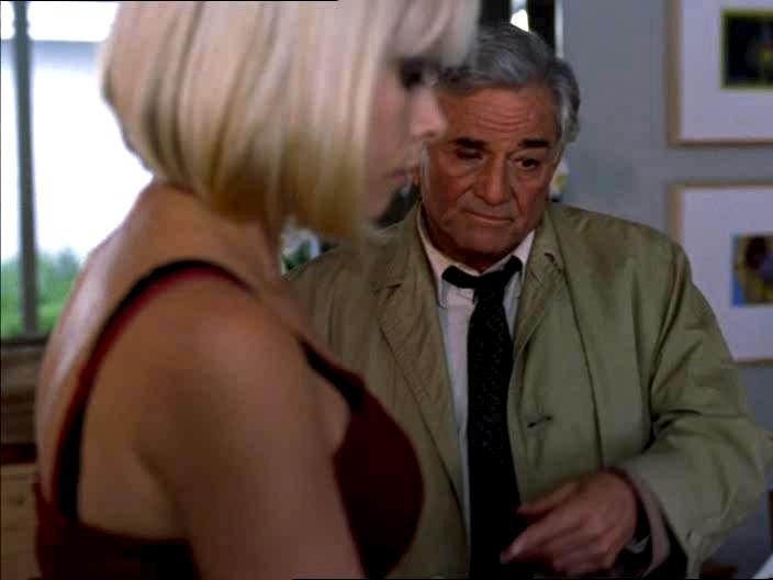 «Signorina, cerchi di ricordare... cioè, sono io che al massimo dovrei aver problemi con la mia età!»