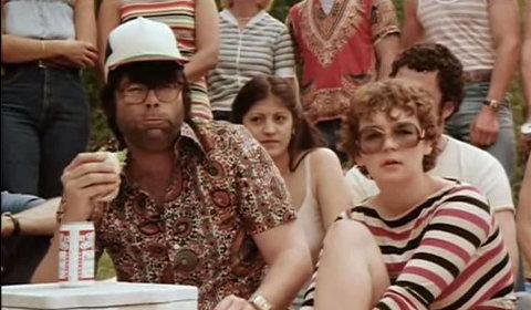 Ecco Stephen King nel ruolo di uno spettatore rumoroso durante il film Knightriders del 1981