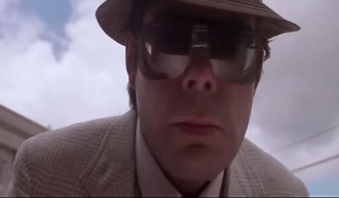 Durante Brivido (1986) Stephen King ha problemi con il bancomat...
