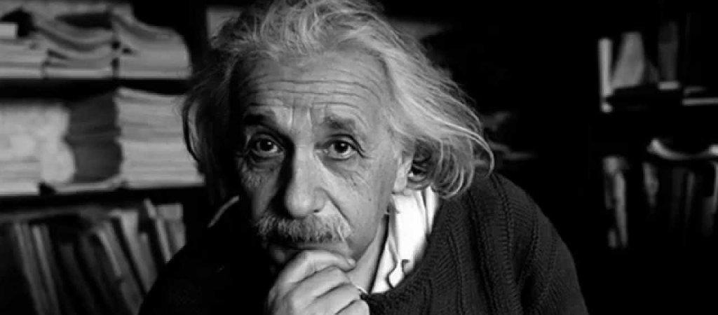 Einstein, nella sua biografia, chiarì questo aspetto della sua teoria della relatività..