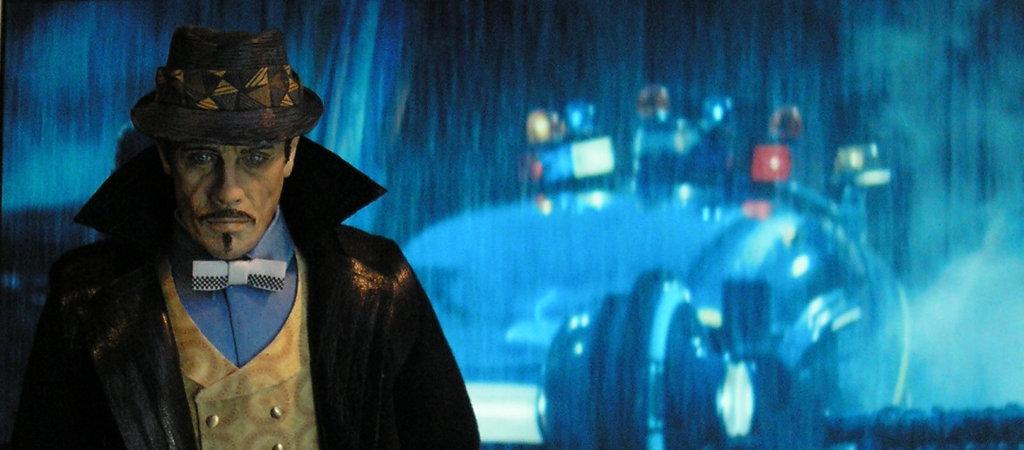 Il vero Blade Runner, incaricato di ritirare Deckard quando non servirà più.